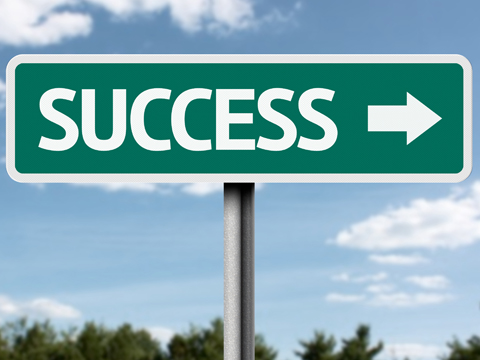 Get motivated to learn and finish what you start.... - image success-road-sign on https://edwindiaz.com
